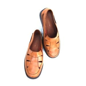 LEATHER LOAFERS BY NATURALIZER SIZE 8.5 WIDE